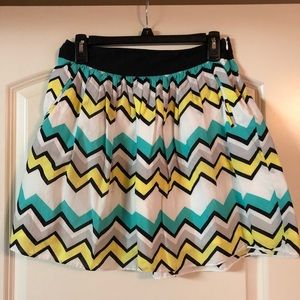 Cynthia Rowley Chevron Skirt with pockets! size 2